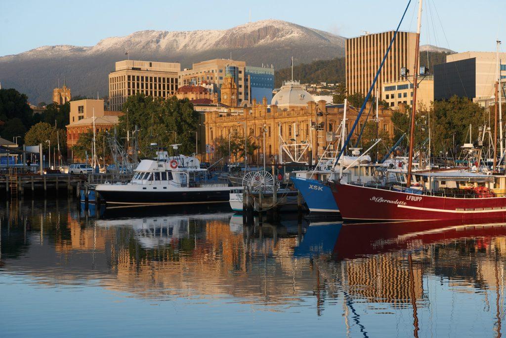 Image credit: Tourism Tasmania & Stuart Crossett